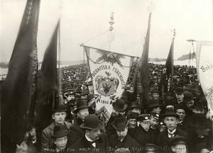forsta-majdemonstrationen-sthlm-1899